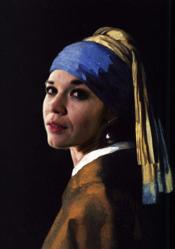 "Based on picture by Jan Vermeer ""The girl with a pearl earring"""